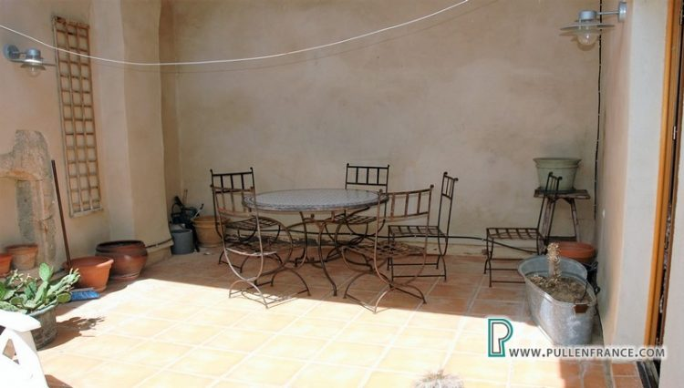 village-house-for-sale-aude-16