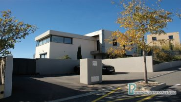contemporary-home-for-sale-narbonne-1