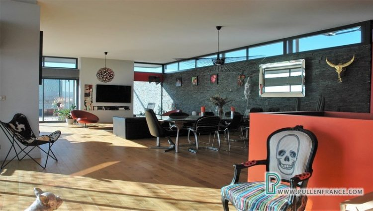 contemporary-home-for-sale-narbonne-11