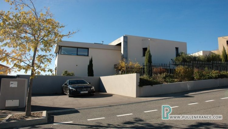 contemporary-home-for-sale-narbonne-2