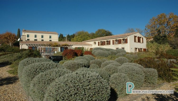 country-house-with-views-minervois-france-10