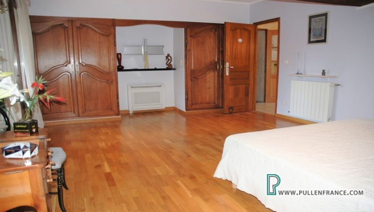 house-for-sale-argeliers-france-24