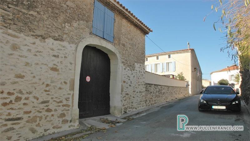 A vendre maison village T5 avec jardin, piscine, remise en Aude France