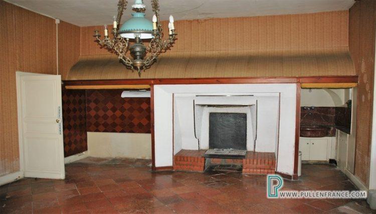 large-house-for-sale-minervois-13