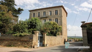 character-house-for-sale-pepieux-1