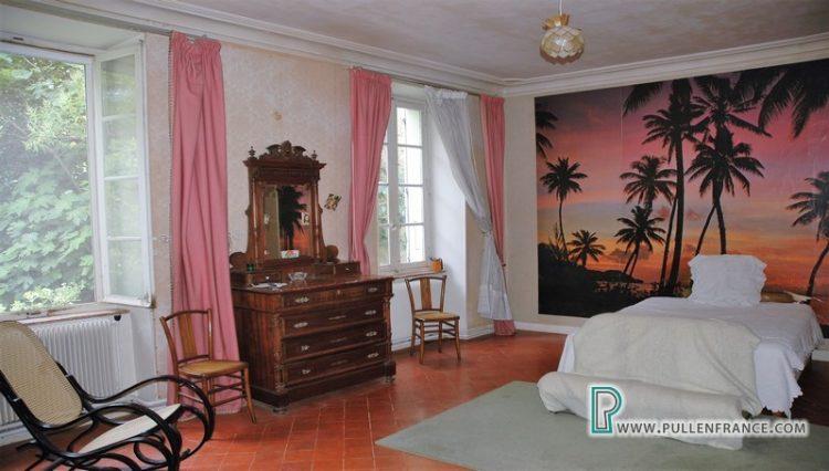 house-for-sale-near-mediterranean-coast-19