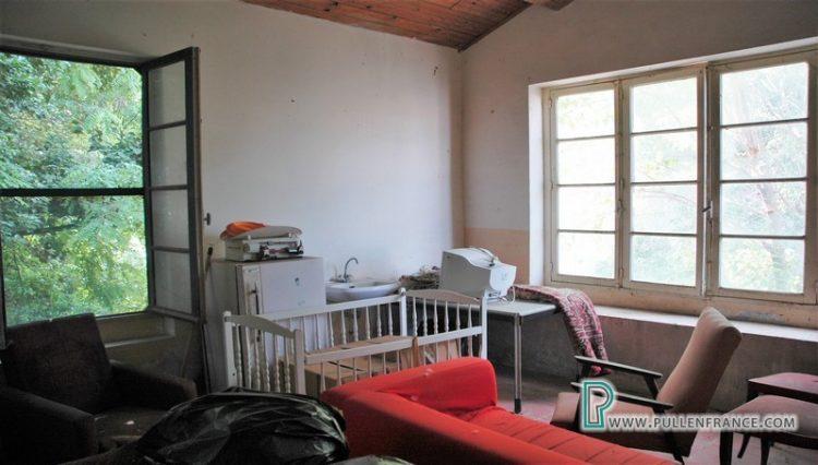 house-for-sale-near-mediterranean-coast-23
