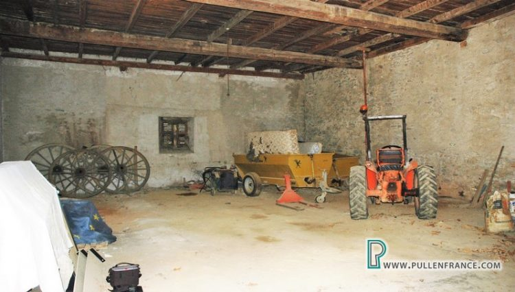 barn-for-sale-siran-10