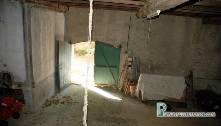 barn-for-sale-siran-13