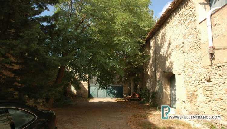 barn-for-sale-siran-4