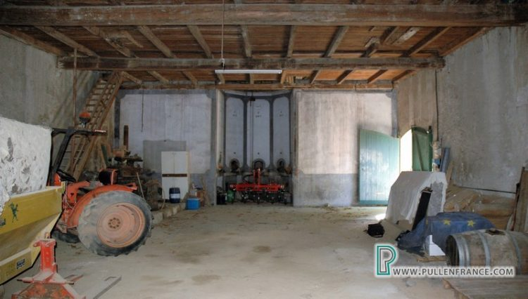 barn-for-sale-siran-8