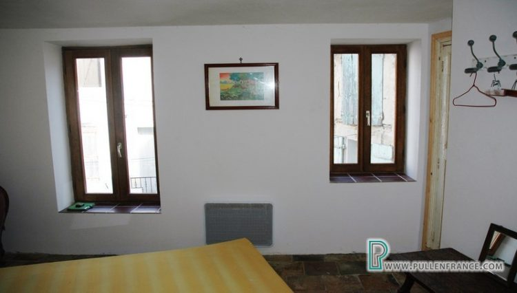 village-house-for-sale-autignac-15