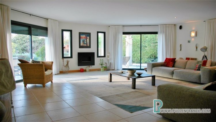 villa-for-sale-south-of-france-10
