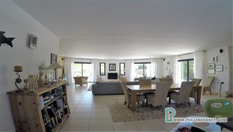 villa-for-sale-south-of-france-11