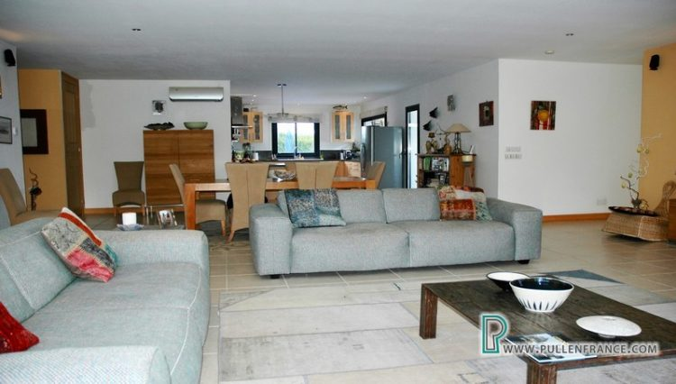 villa-for-sale-south-of-france-12