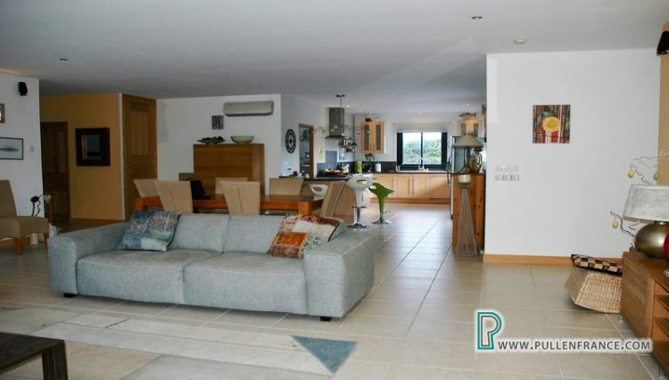 villa-for-sale-south-of-france-13