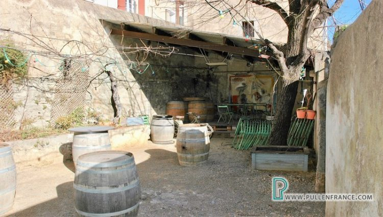bar-for-sale-ginestas-4