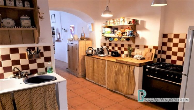 house-for-sale-azillanet-5