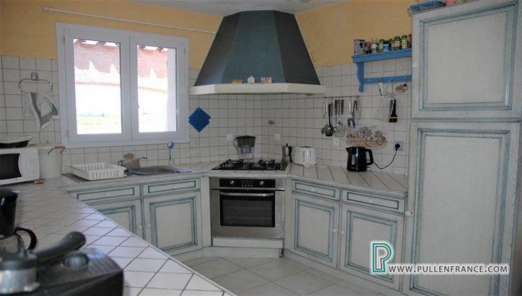 villa-a-vendre-nevian-12
