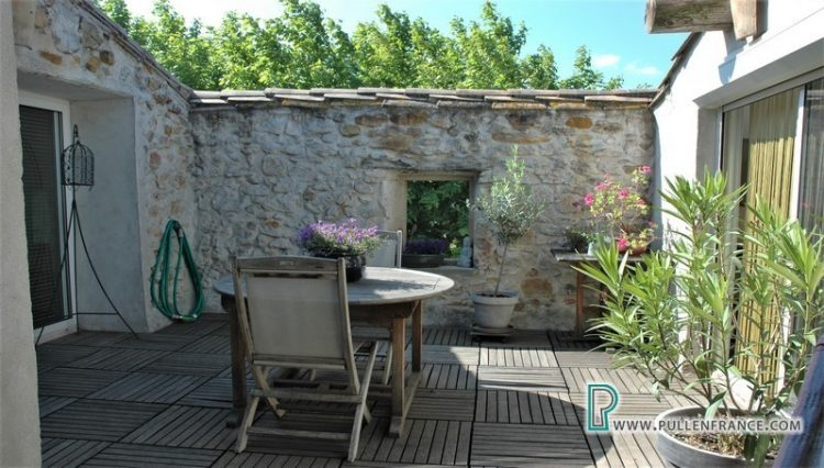 village-house-for-sale-bizanet-22