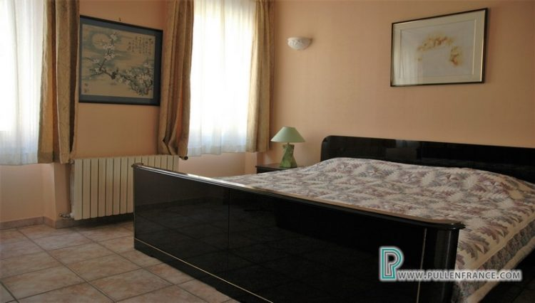house-for-sale-nevian-16
