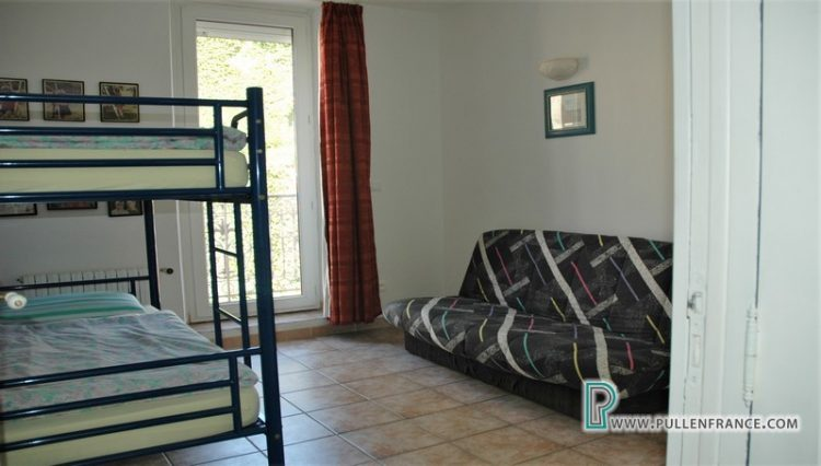 house-for-sale-nevian-17