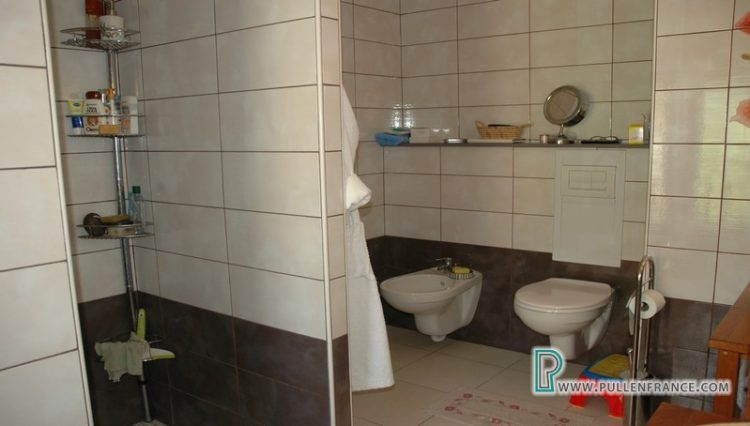 house-for-sale-nevian-25