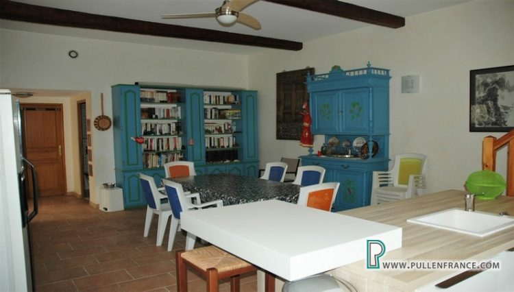 house-for-sale-nevian-26