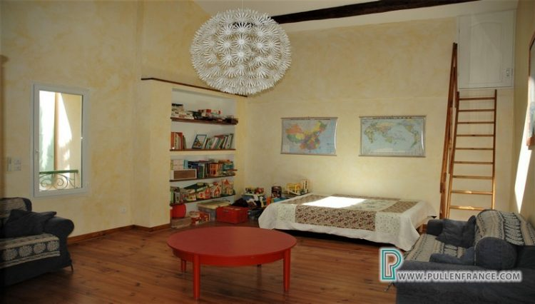 house-for-sale-nevian-29