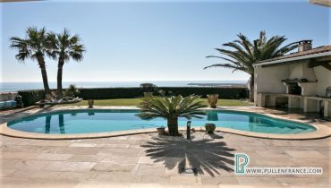 house-for-sale-st-pierre-la-mer-1